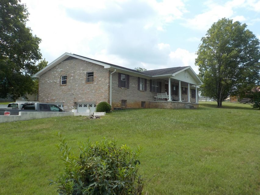 Single Family Home for Sale at 8117 Highway 131 Washburn, Tennessee 37888 United States