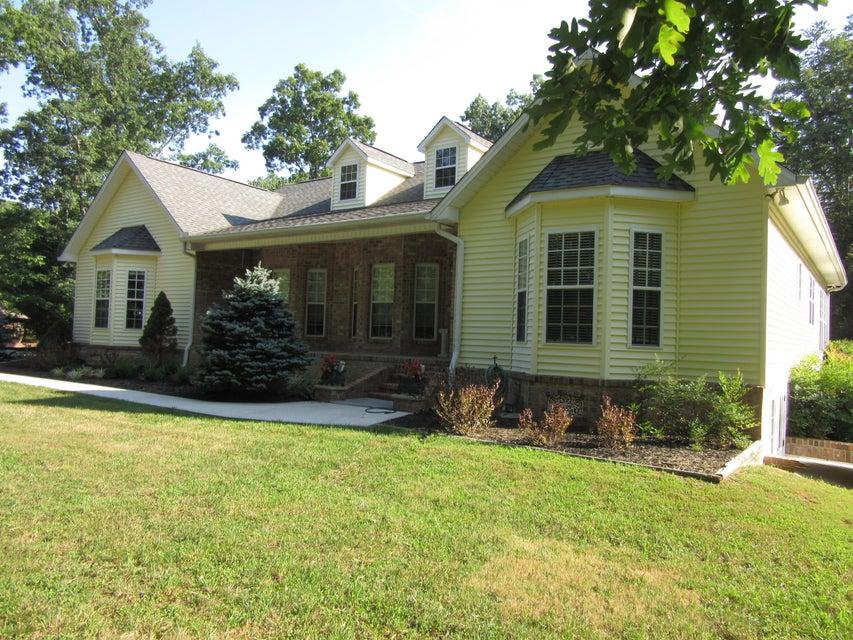 Частный односемейный дом для того Продажа на 120 Carrie Drive 120 Carrie Drive Crossville, Теннесси 38572 Соединенные Штаты