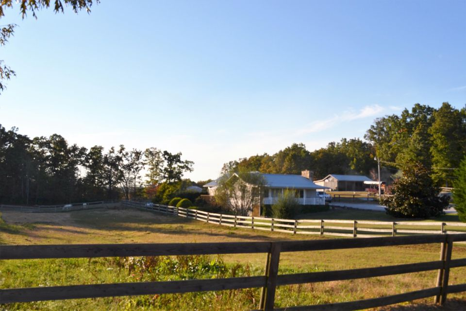 Additional photo for property listing at 503 Old Genesis Road 503 Old Genesis Road Crossville, Tennessee 38571 États-Unis
