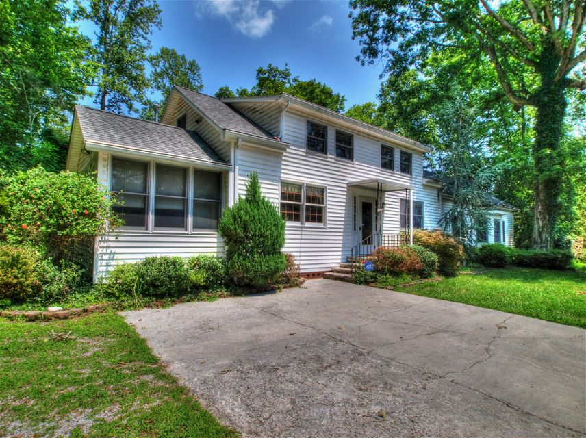 Maison unifamiliale pour l Vente à 25 Dogwood Road Norris, Tennessee 37828 États-Unis