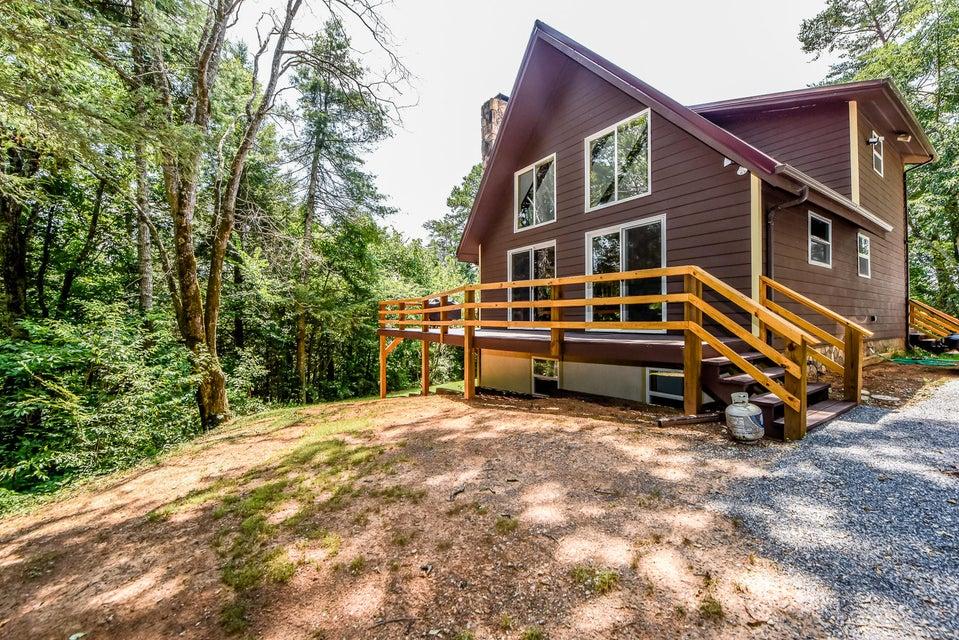 Частный односемейный дом для того Продажа на 3356 Montevallo Road 3356 Montevallo Road Sevierville, Теннесси 37876 Соединенные Штаты