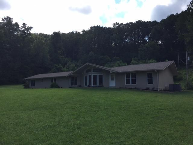 Single Family Home for Sale at 1995 E Wolf Valley Road Heiskell, Tennessee 37754 United States