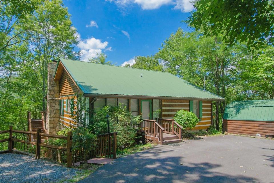 Частный односемейный дом для того Продажа на 3174 Stepping Stone Drive 3174 Stepping Stone Drive Sevierville, Теннесси 37862 Соединенные Штаты