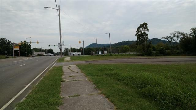 Land for Sale at 1.6 Acres Tennessee Avenue 1.6 Acres Tennessee Avenue Etowah, Tennessee 37331 United States