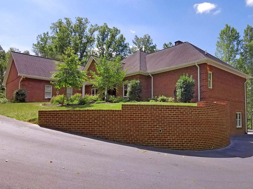 Casa Unifamiliar por un Venta en 225 Owassa Drive Newport, Tennessee 37821 Estados Unidos