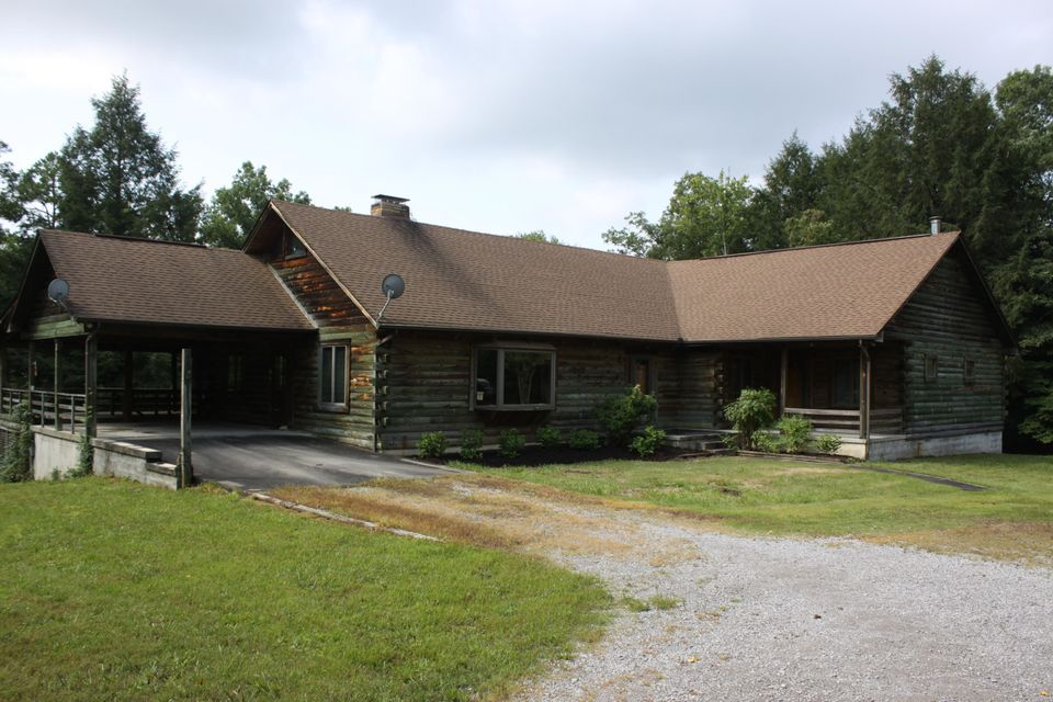 Single Family Home for Sale at 1495 Old Bean Shed Road Clarkrange, Tennessee 38553 United States