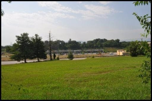 Additional photo for property listing at 2309 Hwy 411 2309 Hwy 411 Maryville, Tennessee 37801 Estados Unidos
