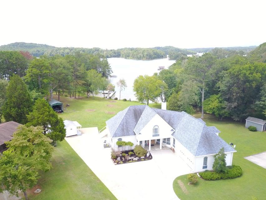 Maison unifamiliale pour l Vente à 124 Hidden Harbor Court Spring City, Tennessee 37381 États-Unis