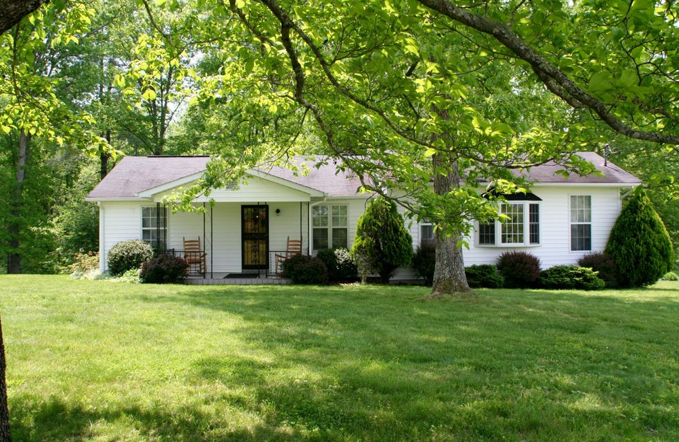 Single Family Home for Sale at 293 Twin Bridge Road Deer Lodge, Tennessee 37726 United States
