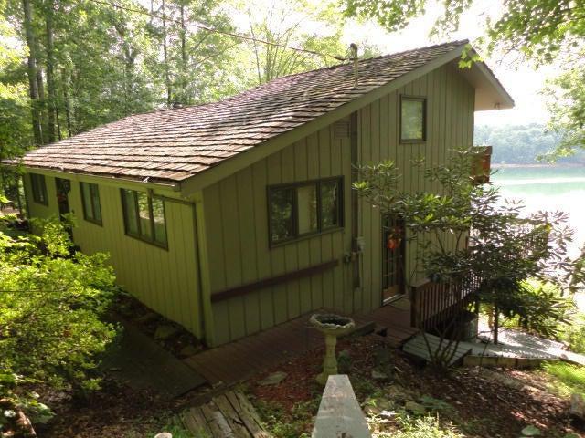 Частный односемейный дом для того Продажа на 637 S Shorewood Lane 637 S Shorewood Lane Caryville, Теннесси 37714 Соединенные Штаты