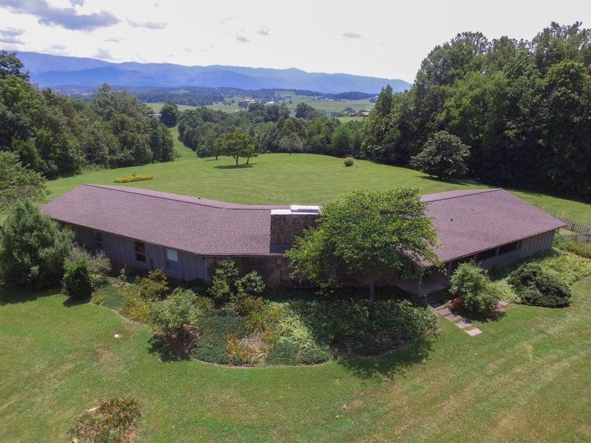 Частный односемейный дом для того Продажа на 845 Gfellers Road Chuckey, Теннесси 37641 Соединенные Штаты