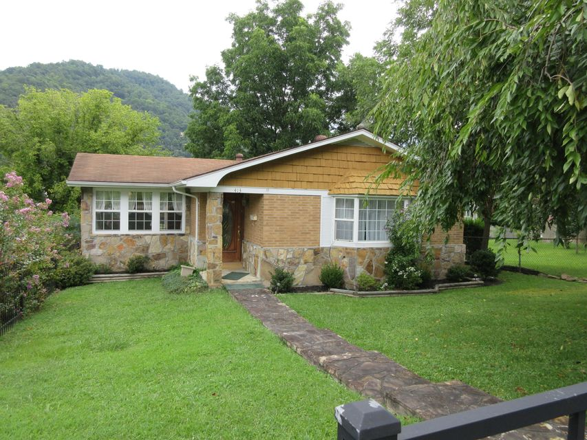 Single Family Home for Sale at 413 Tennessee Avenue Pineville, Kentucky 40977 United States