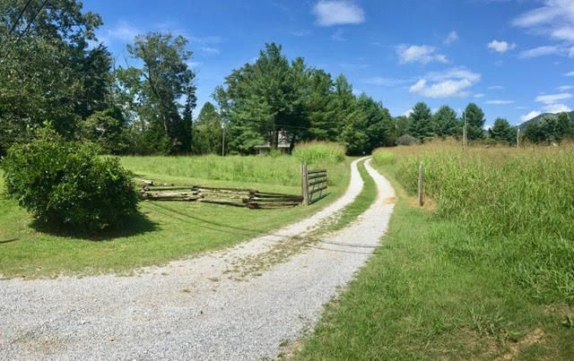 Single Family Home for Sale at 5130 Roberts Road Corryton, Tennessee 37721 United States