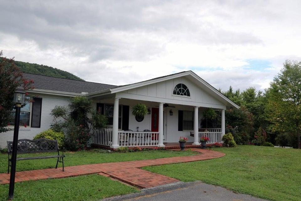 独户住宅 为 销售 在 466 Butter & Egg Road Jacksboro, 田纳西州 37757 美国