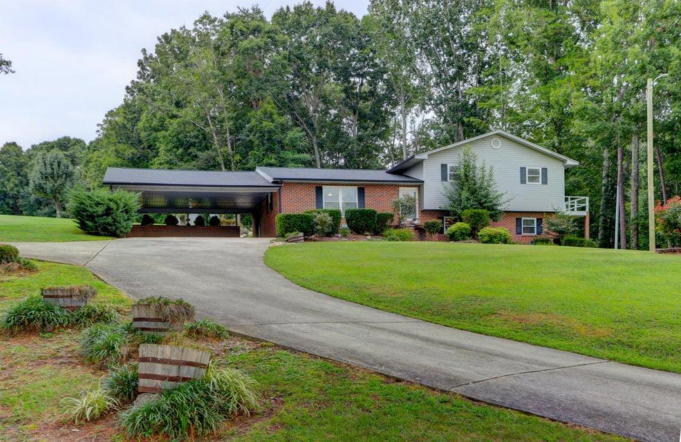 Частный односемейный дом для того Продажа на 108 Pattie Gap Road Philadelphia, Теннесси 37846 Соединенные Штаты