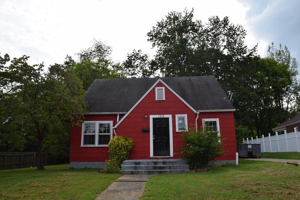 Частный односемейный дом для того Продажа на 109 Spruce Street Greeneville, Теннесси 37745 Соединенные Штаты