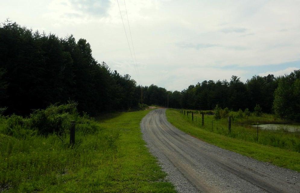 Terrain pour l Vente à Clifty Creek Road Clifty Creek Road Winfield, Tennessee 37892 États-Unis