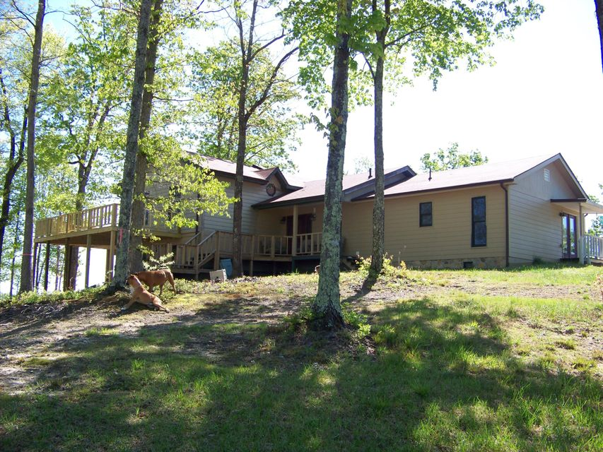 Single Family Home for Sale at 354 Hollis Lane Pioneer, Tennessee 37847 United States