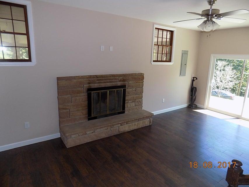 Casa Unifamiliar por un Venta en 3794 Cumberland View Estates Rocky Top, Tennessee 37769 Estados Unidos