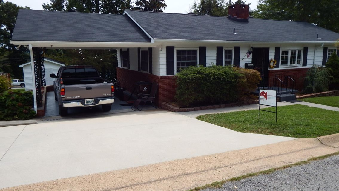 Additional photo for property listing at 103 Olney Lane 103 Olney Lane Oak Ridge, Tennessee 37830 États-Unis