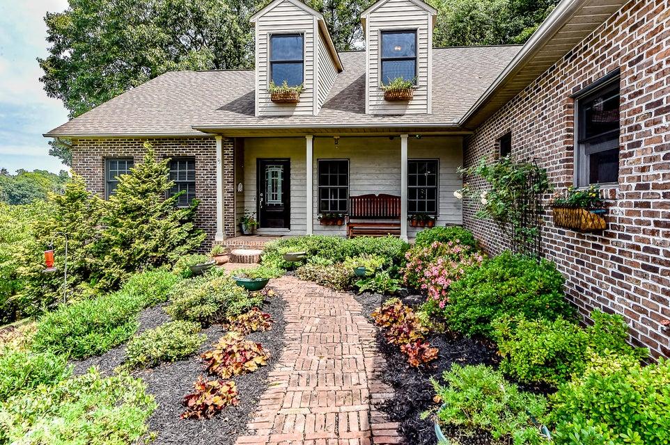 独户住宅 为 销售 在 514 Dunlap Hollow Road 514 Dunlap Hollow Road Friendsville, 田纳西州 37737 美国