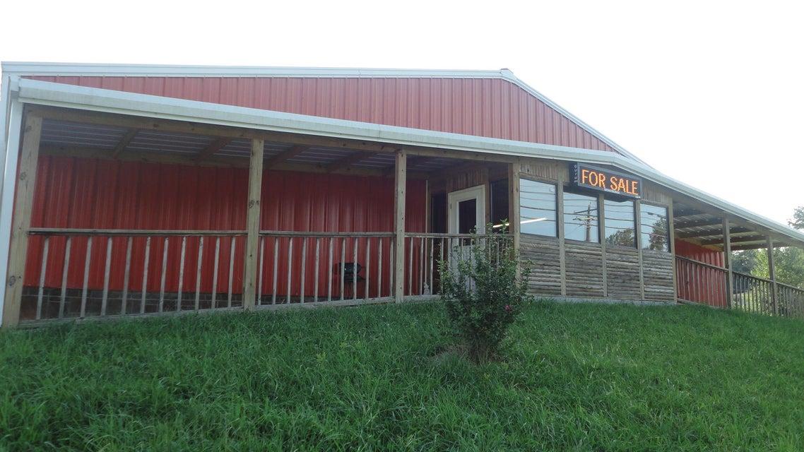 Commercial pour l Vente à 2615 Morgan County Hwy 2615 Morgan County Hwy Wartburg, Tennessee 37887 États-Unis
