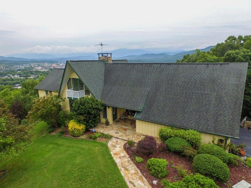 Casa Unifamiliar por un Venta en 1120 Crestview Drive 1120 Crestview Drive Pigeon Forge, Tennessee 37863 Estados Unidos