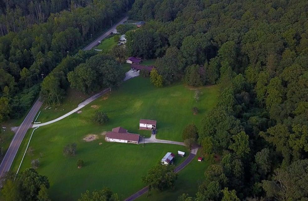 Maison unifamiliale pour l Vente à 1367 Cranmore Cove Road Dayton, Tennessee 37321 États-Unis