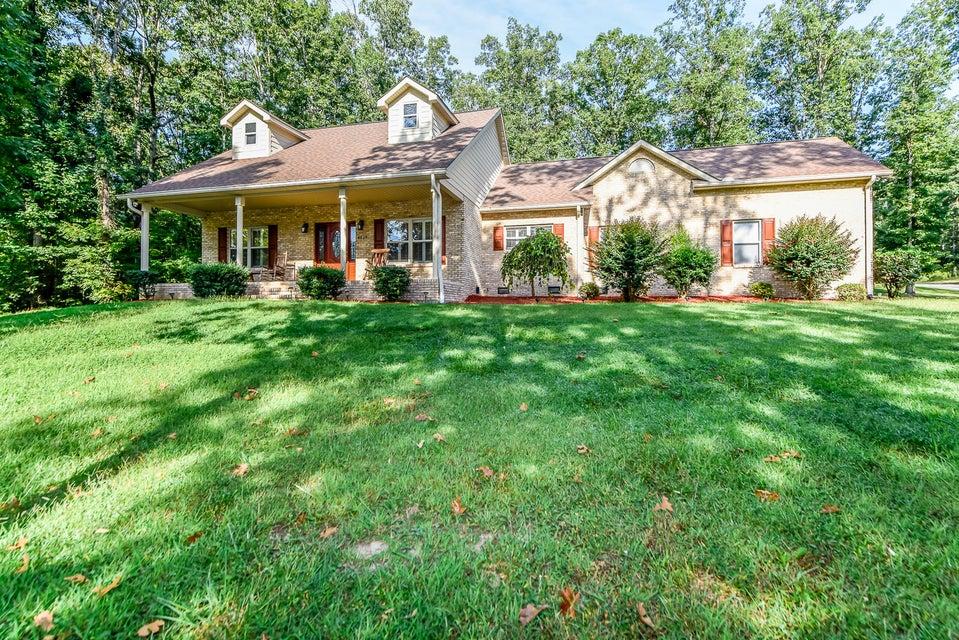 独户住宅 为 销售 在 4525 Glennora Drive 4525 Glennora Drive Walland, 田纳西州 37886 美国