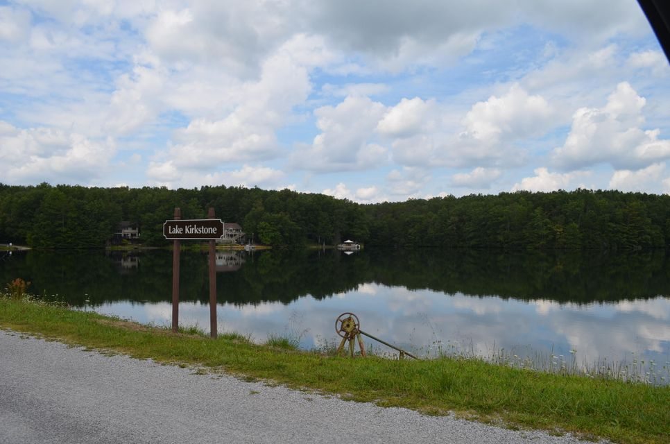 Additional photo for property listing at 24 Oakburn Court 24 Oakburn Court Crossville, Tennessee 38558 États-Unis