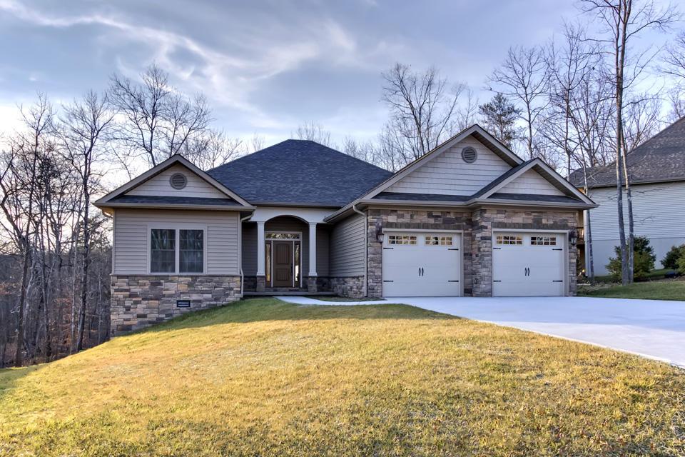 Частный односемейный дом для того Продажа на 104 Osage Court Loudon, Теннесси 37774 Соединенные Штаты