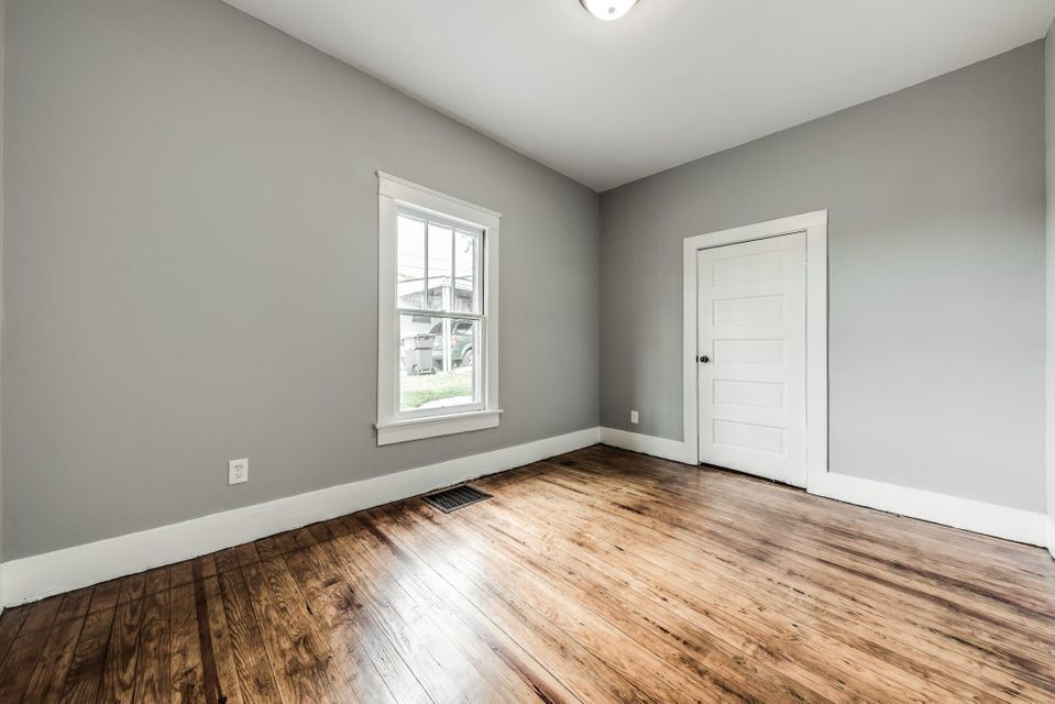 Additional photo for property listing at 120 W Columbia Avenue 120 W Columbia Avenue Knoxville, Tennessee 37917 United States