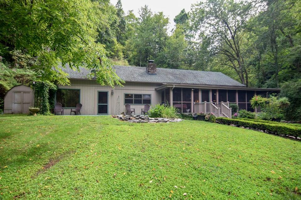 Частный односемейный дом для того Продажа на 3113 N Clear Fork Road 3113 N Clear Fork Road Sevierville, Теннесси 37862 Соединенные Штаты