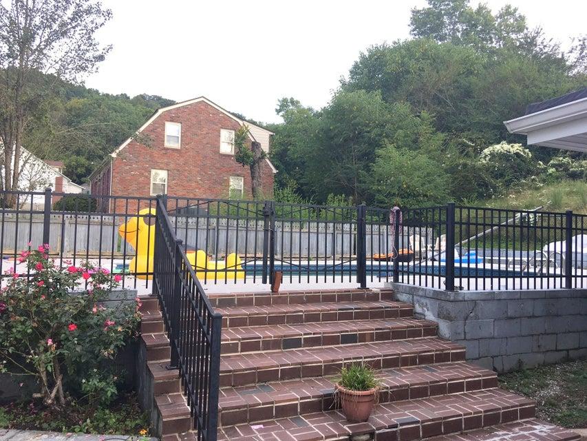 Additional photo for property listing at 128 Logan Street 128 Logan Street Jellico, 田纳西州 37762 美国