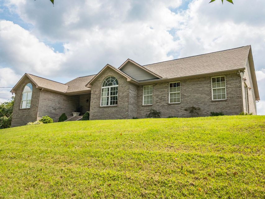 Single Family Home for Sale at 2651 White Oak Grove Road 2651 White Oak Grove Road Morristown, Tennessee 37813 United States