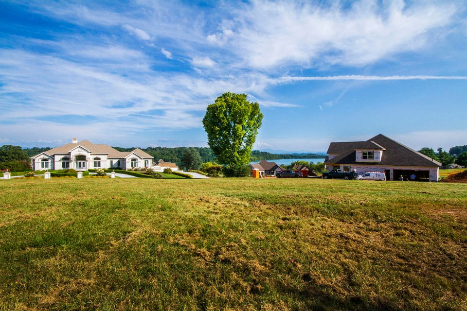 Additional photo for property listing at 765 Rarity Bay Parkway 765 Rarity Bay Parkway Vonore, Tennessee 37885 United States