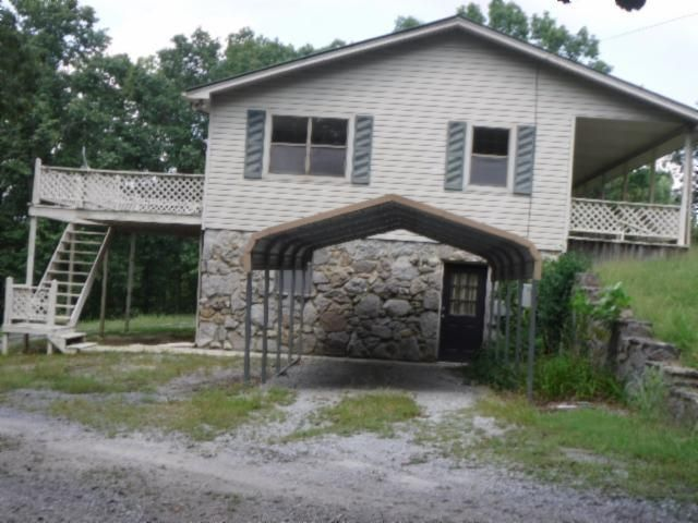 Additional photo for property listing at 445 Mayfield Brown Road Road 445 Mayfield Brown Road Road Celina, Tennessee 38551 Estados Unidos