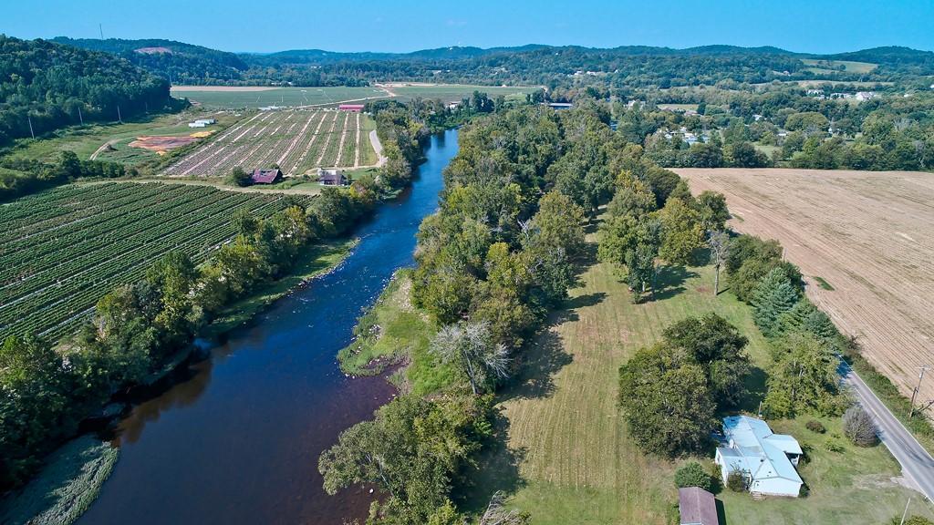 Земля для того Продажа на 1045 Hwy 73 1045 Hwy 73 Newport, Теннесси 37821 Соединенные Штаты