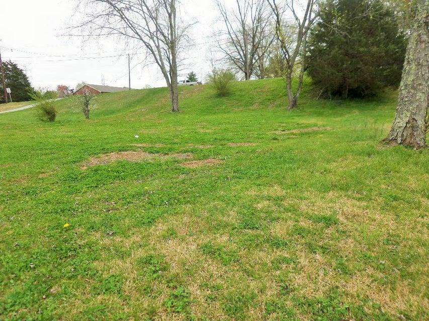 Additional photo for property listing at 134 Houston Avenue 134 Houston Avenue Oak Ridge, Tennessee 37830 États-Unis