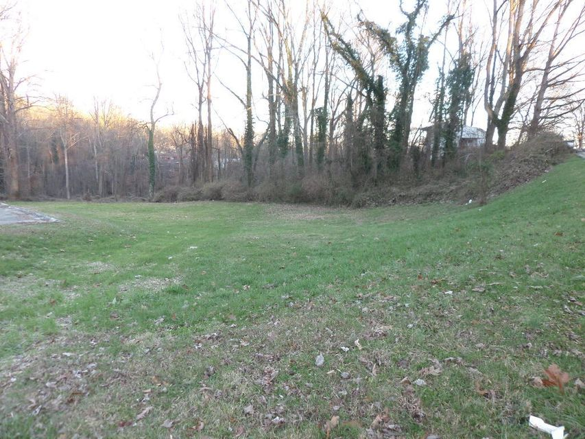 Additional photo for property listing at 105 Waddell Place 105 Waddell Place Oak Ridge, Tennessee 37830 United States
