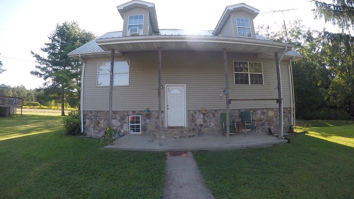 独户住宅 为 销售 在 350 Lowell Adkins Road Road 350 Lowell Adkins Road Road Deer Lodge, 田纳西州 37726 美国