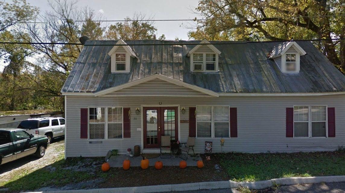 Многосемейный дом для того Продажа на 709 W Rhoten Street 709 W Rhoten Street Jefferson City, Теннесси 37760 Соединенные Штаты