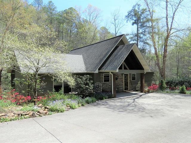 独户住宅 为 销售 在 2198 Oakwood Road 2198 Oakwood Road Walland, 田纳西州 37886 美国