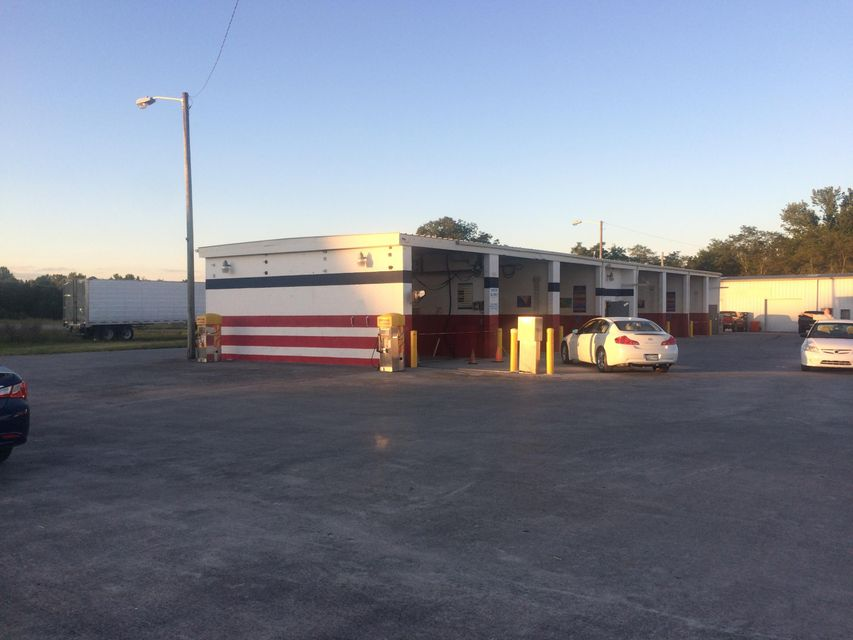 Commercial for Sale at 4651 Highway 68 4651 Highway 68 Madisonville, Tennessee 37354 United States