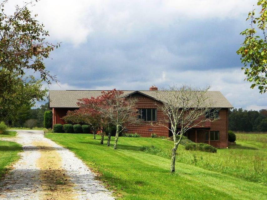 Maison unifamiliale pour l Vente à 11748 Highway 127 S 11748 Highway 127 S Crossville, Tennessee 38572 États-Unis