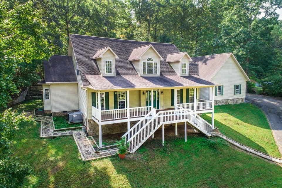 Частный односемейный дом для того Продажа на 101 Windrock View Lane 101 Windrock View Lane Oliver Springs, Теннесси 37840 Соединенные Штаты