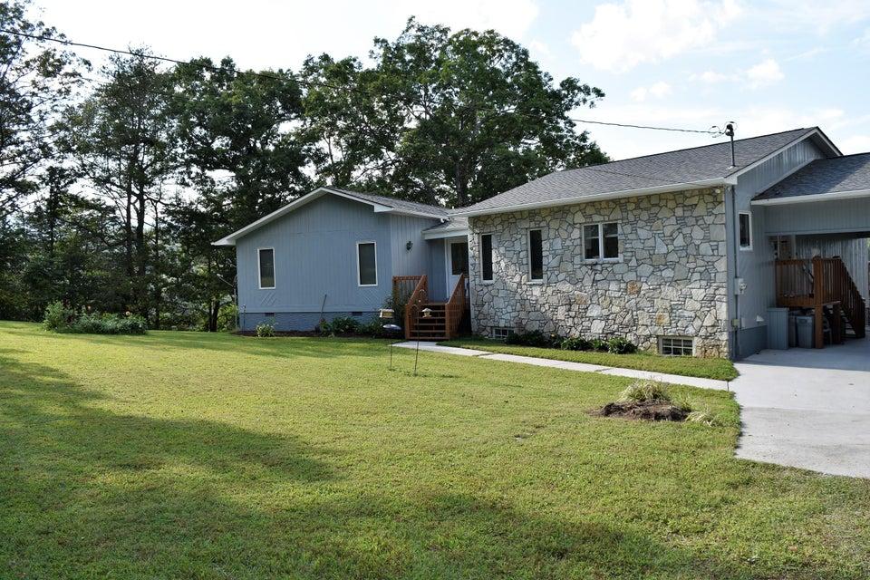 Частный односемейный дом для того Продажа на 347 Perry Smith Lane Caryville, Теннесси 37714 Соединенные Штаты
