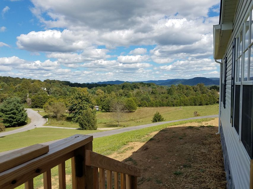 Additional photo for property listing at 343 Whittaker Lane 343 Whittaker Lane Tazewell, Tennessee 37879 Estados Unidos