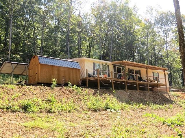 Maison unifamiliale pour l Vente à 180 Greasy Cove Road 180 Greasy Cove Road Cosby, Tennessee 37722 États-Unis