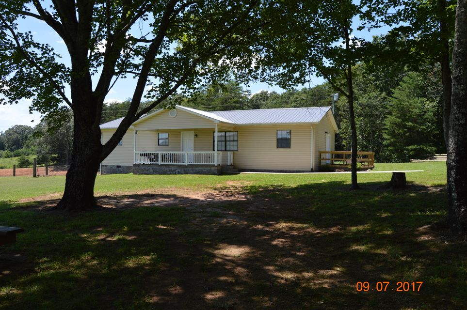 Single Family Home for Sale at 380 Creek Road Road 380 Creek Road Road Sweetwater, Tennessee 37874 United States